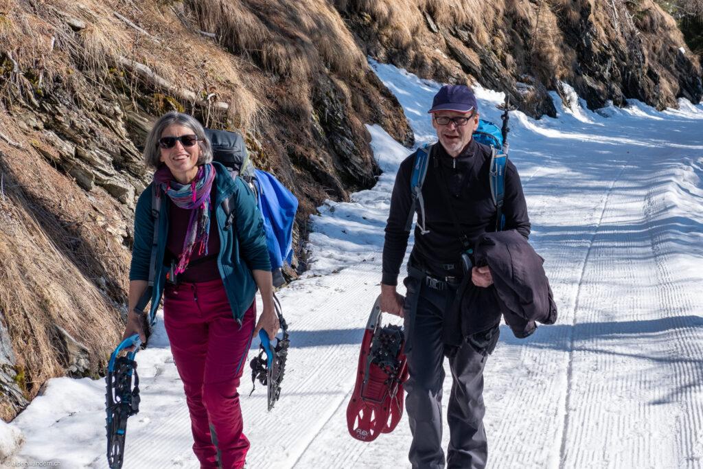 Bergstrasse bei Sufers; Aufstieg Richtung Lai da Vons