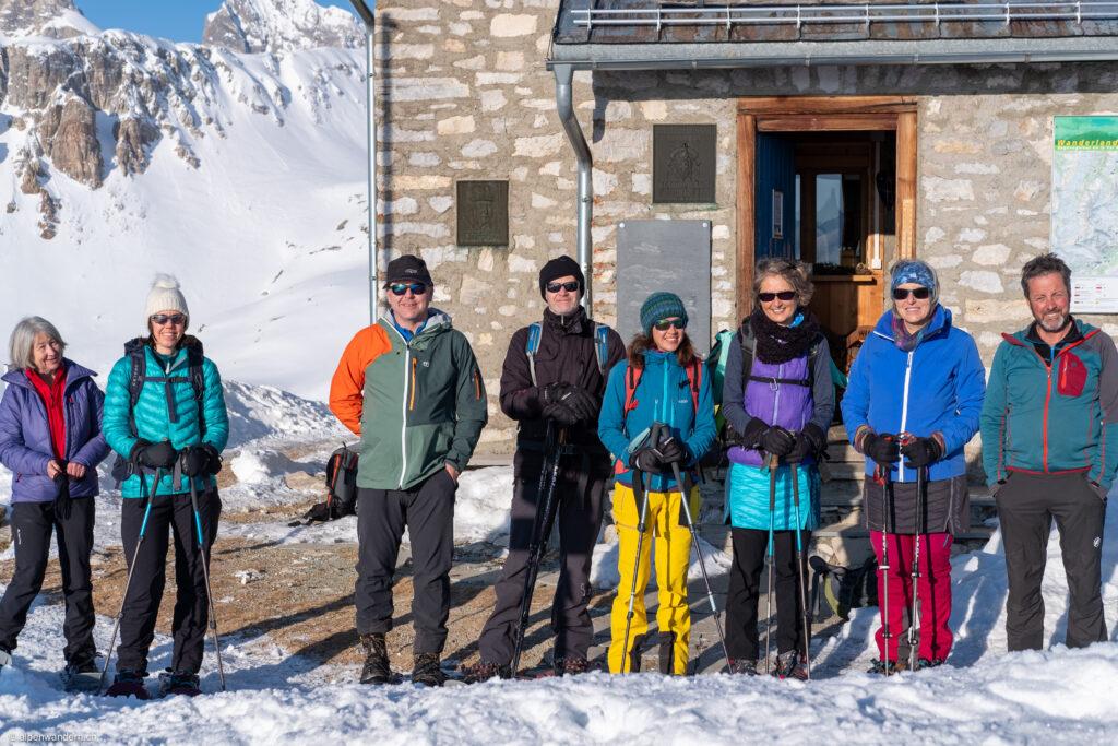 Cufercalhütte - Gruppenbild mit Hüttenwart Reto