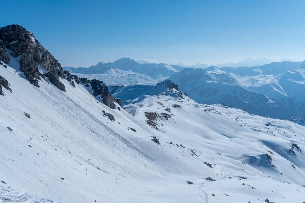 Blick von der Farcletta digl Lai Pintg in Richtung Cufercalhütte
