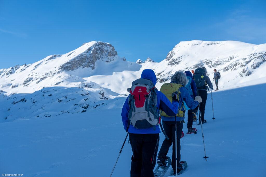 Erster Aufstieg zur Fuorcla Grevasalvas kurz nach dem Julier Ospizio