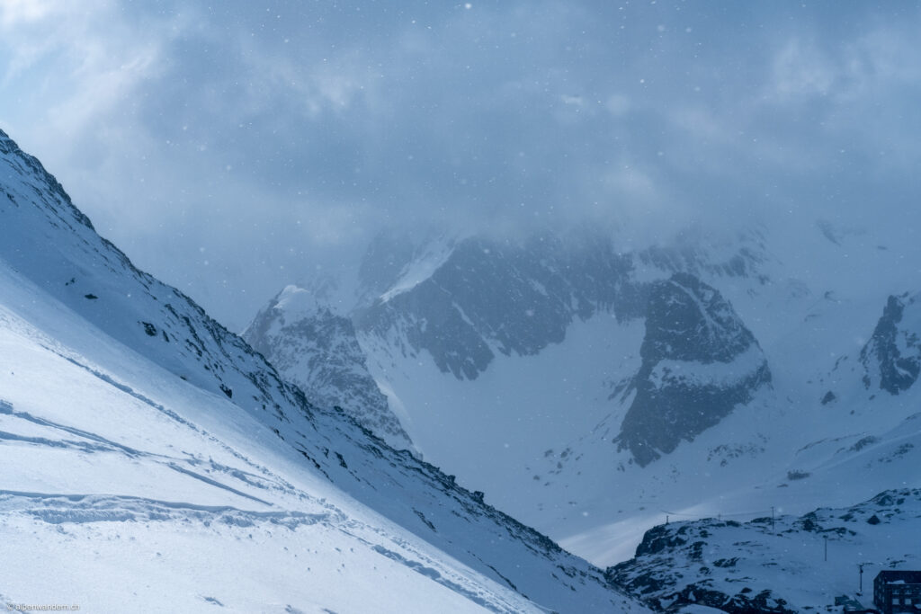 Grosser Sankt Bernhard - Blick zur italienischen Seite
