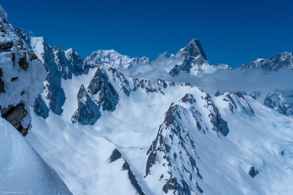 Blick vom Mont Fouchon auf den Mont Blanc und Umgebung