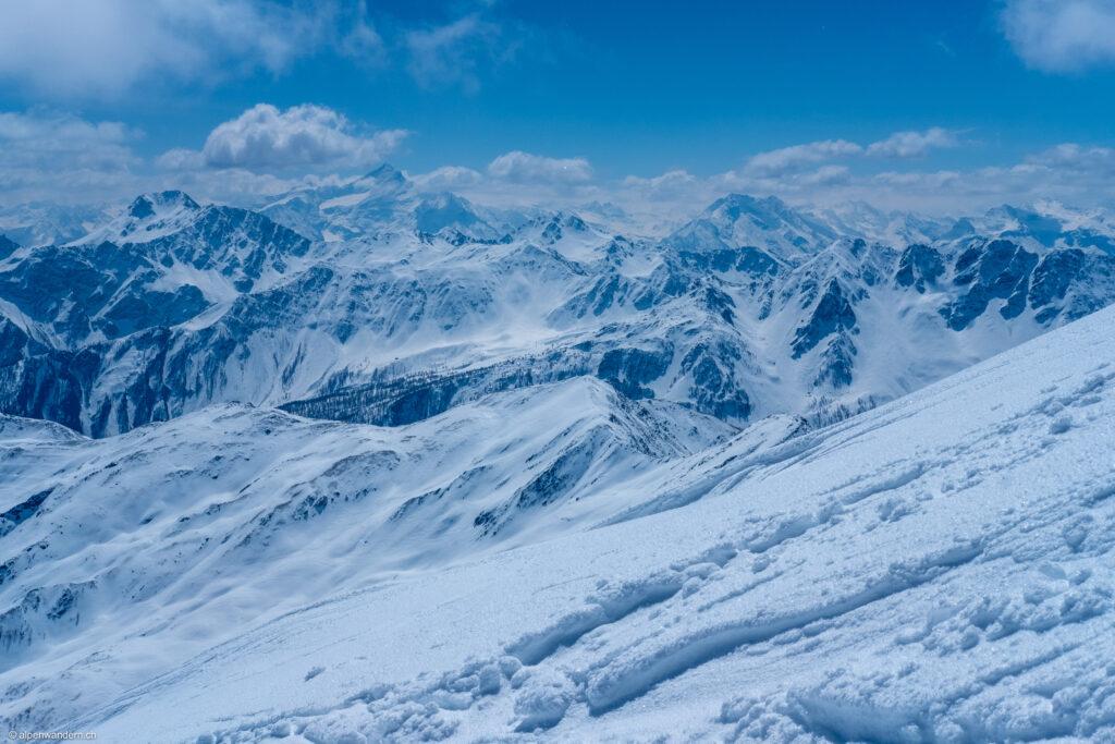 Blick vom Mont Fouchon auf die italienischen Alpen
