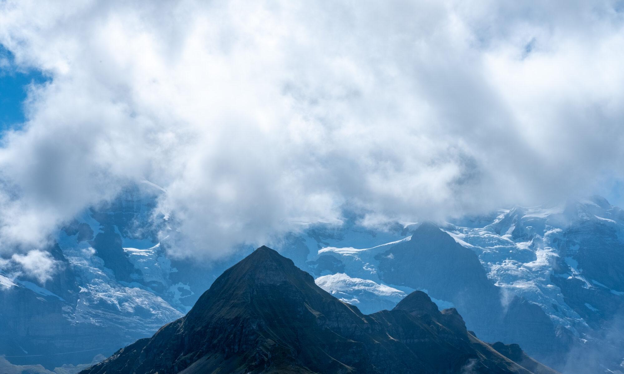 Eiger, Mönch und Jungfrau in den Wolken